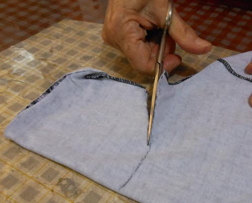 Como cortar blusa gola alta